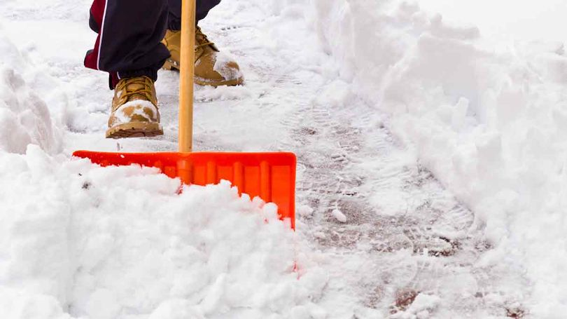 Be neighbourly and keep your sidewalks safe this winter.